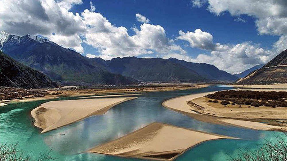 Yarlung Tsangpo River on the Tibetan Plateau, the highest river in the world. Pic: Tibettravel.org